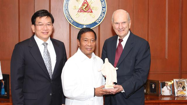 Mormon Leaders Pay VP Binay a Courtesy Call